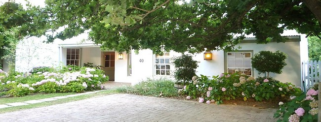fig tree cottage greyton front view