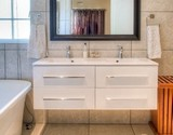 fiore cottage en-suite bathroom with twin basins