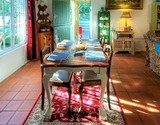 owl lodge greyton guest dining area