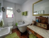 owl lodge cottage greyton main bathroom