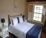 thirteen on vigne greyton self catering double room
